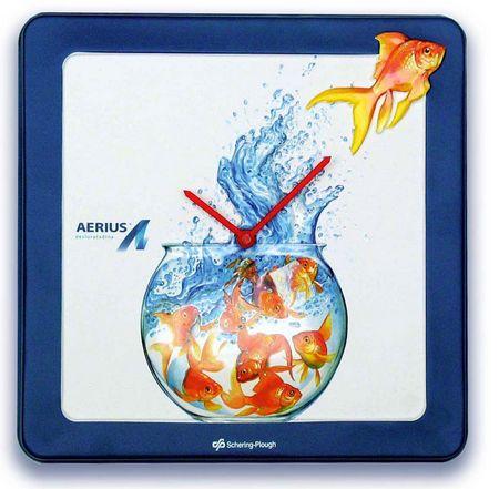 affichage publicitaire - horloge en plastique thermoformé avec motif de bocal à poissons rouges