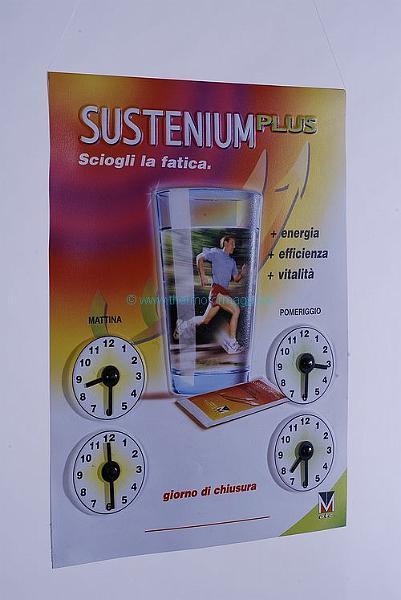 thermoformage-presentoir-plastique-horaires-ouverture-Sustenium